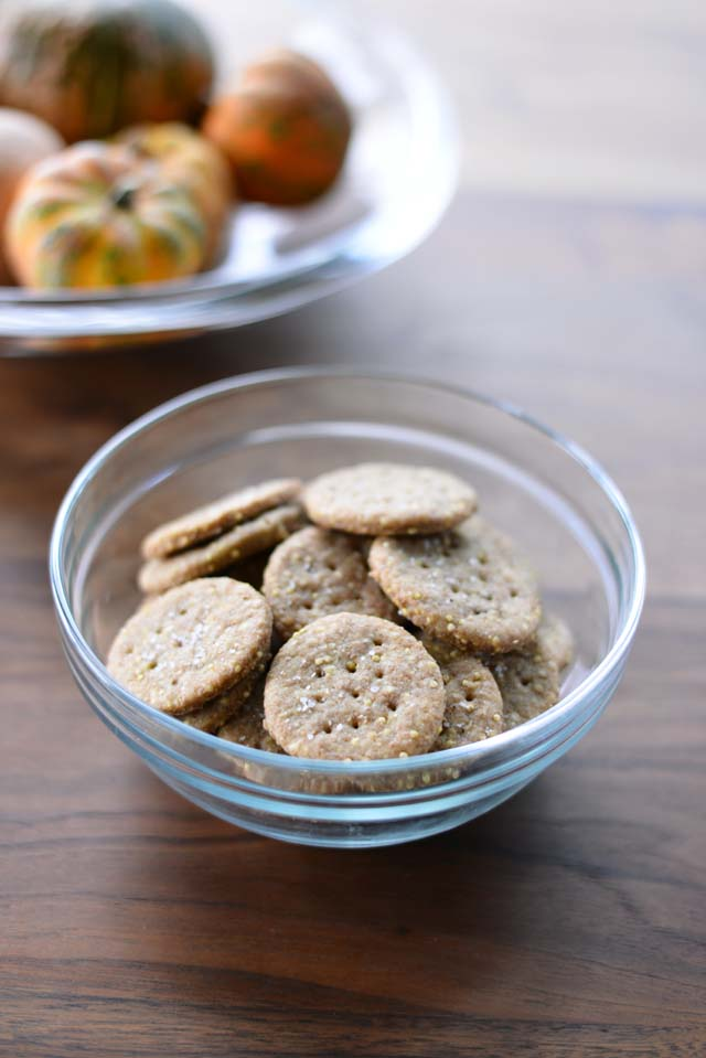 homemade-wheat-crackers_2