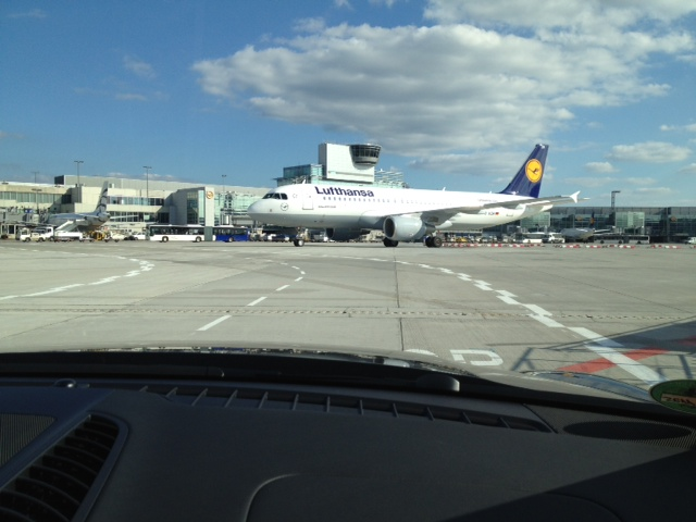 Lufthansa First Class Service at Frankfurt Airport - Thank you very much