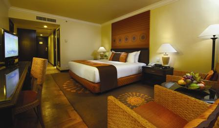 3. Beach Wing Hillview 1 King Bed Room