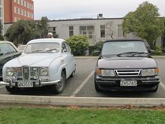 automobile(1.0), automotive exterior(1.0), executive car(1.0), vehicle(1.0), mid-size car(1.0), saab automobile(1.0), compact car(1.0), antique car(1.0), land vehicle(1.0), luxury vehicle(1.0),