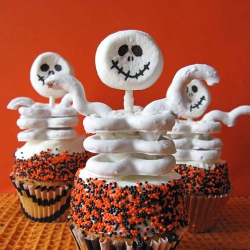 Halloween cupcake idea @buttercreambaroness.com