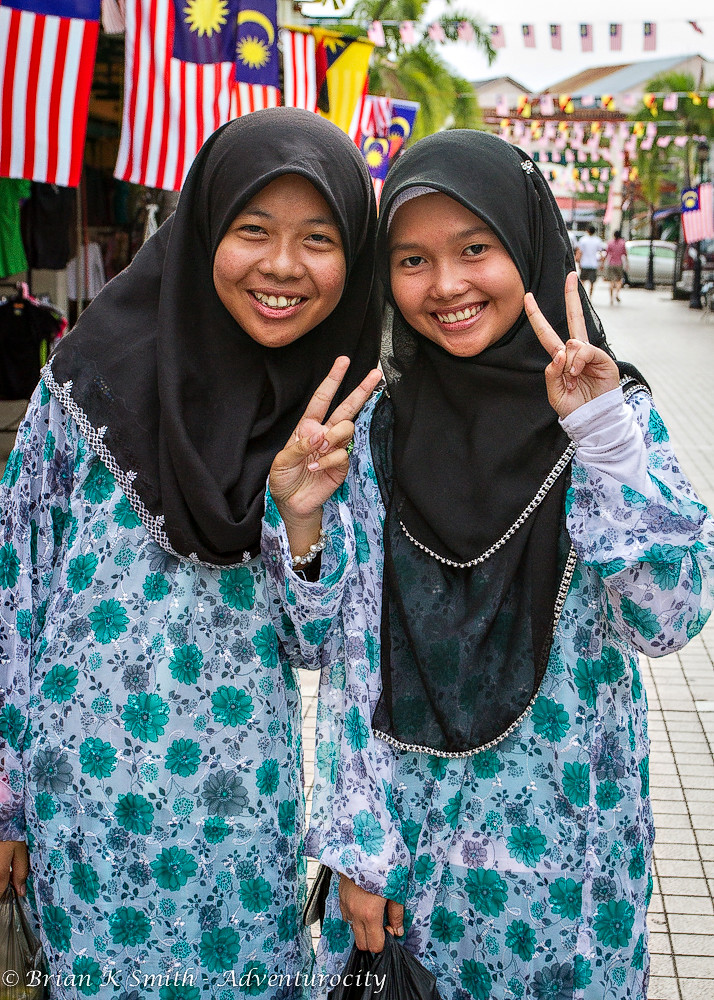 Muslim Girls on Jalan India, Kuching