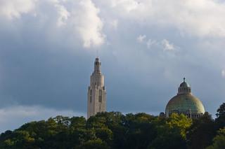 Monument Interallié et Eglise du Sacré Coeur