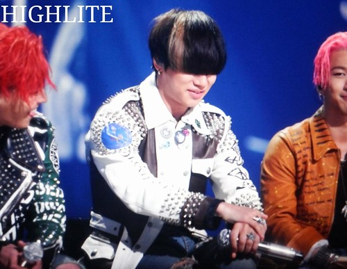 BIGBANG KBS Sketchbook main performance 053