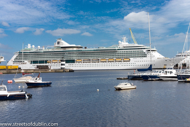 Dublin Port: Boats And Ships - Cruise Liner