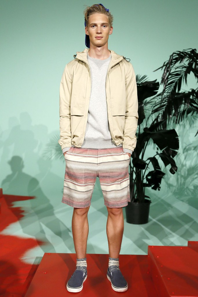 SS13 NY Shades of Grey002_Jakob Bertelsen(VOGUE)