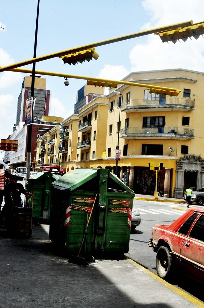 plaza-oleary-contenedr-de-basura