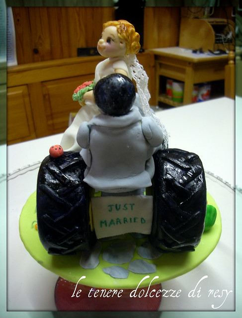 Tractor Wedding Cake Topper Ilaria 006