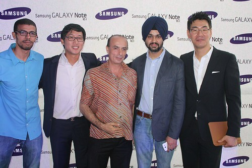 7974050160 1f280f5066 Samsung launches Samsung Galaxy Note 10.1 in Ghana