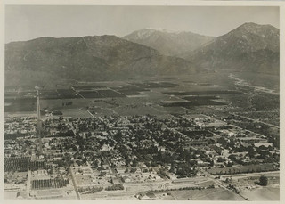 Aerial photo of Pomona College in 1924