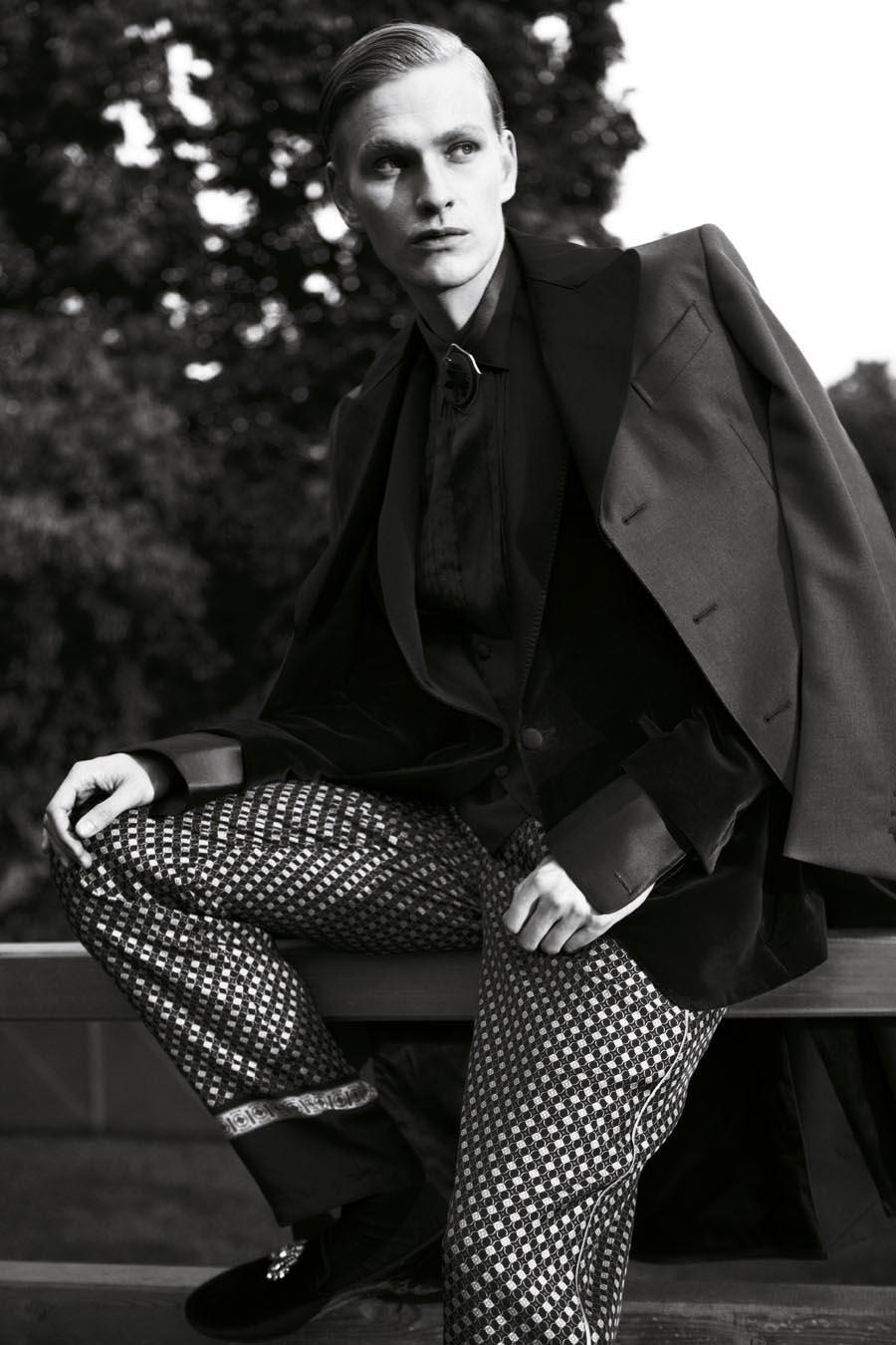 Gerhard Freidl0330_VIKTOR Magazine_Ph Adriano Russo(Wiener Models)