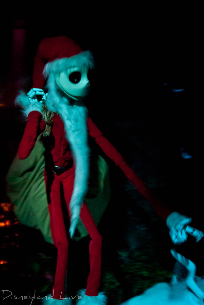 Haunted Mansion Holiday 2012 - Disneyland