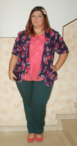 colors and floral outfit