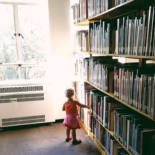 """Books!"" she yells as we walk through the school's library. Thanks to @deannaday10 and @lilyannf Addie knows which room has the children's books. Smarty pants."
