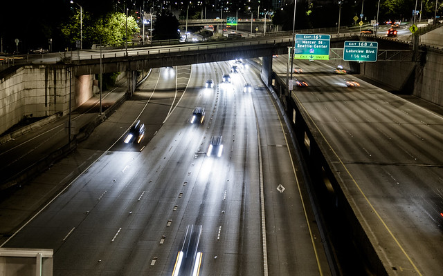 Seattle Freeway [EOS 5DMK2 | EF 24-105L@65mm | 1/4s | f/4.5 | ISO800]