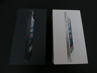 iPhone 5 Unboxing and Comparisons
