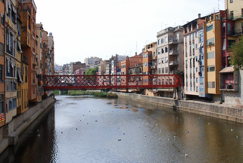 colorful buildings of Girona Spain (3)