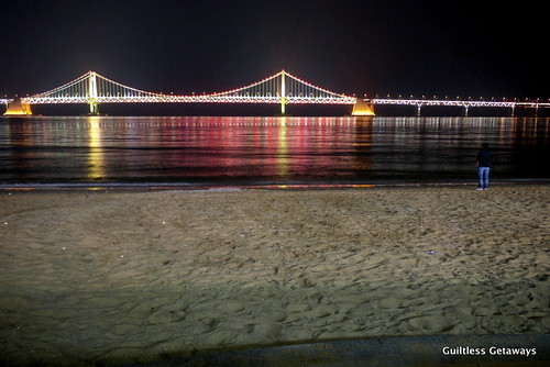 gwanganli-bridge-at-night-beach.jpg