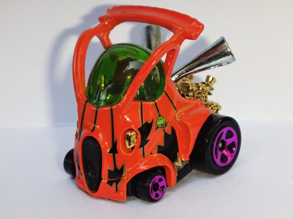 Hot Wheels 2012 Halloween exclusive Hyper Mite