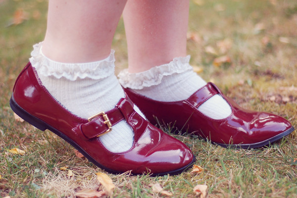 Wardrobeblock : white lace ankle socks primark topshop patent burgundy shoes