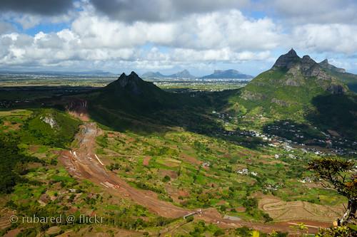 mountain landscape construction hiking mauritius moka pieterboth deuxmamelles calebasses ripailles montagnedeuxmamelles nouvelledecouverte