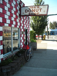 The traditional bicycle+donut shop photo