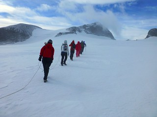 Crossing the Styggebreen glacier to Galdhøpiggen