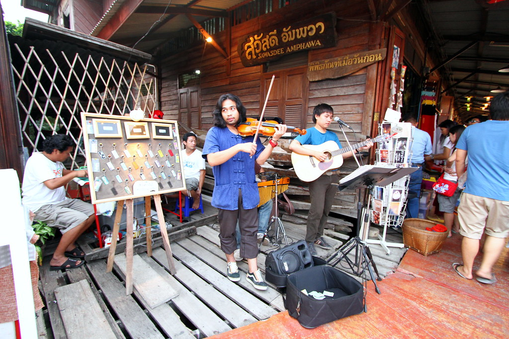 Amphawa Floating Market: Thailand got many talent