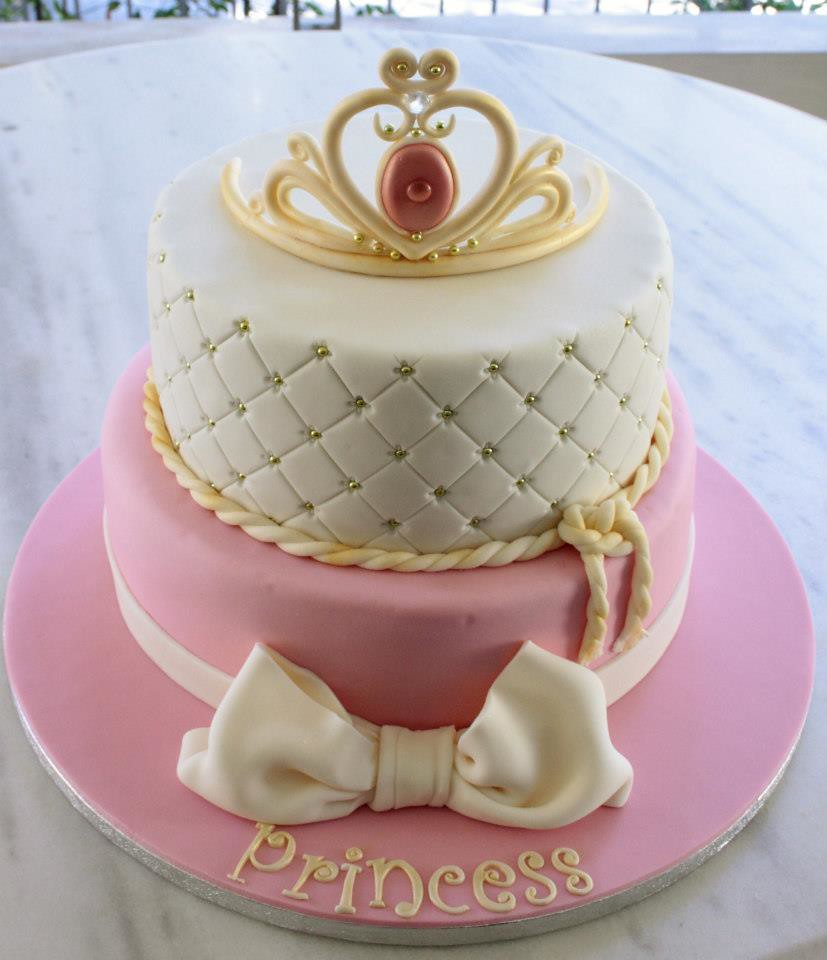 Princess Crown cake - a photo on Flickriver