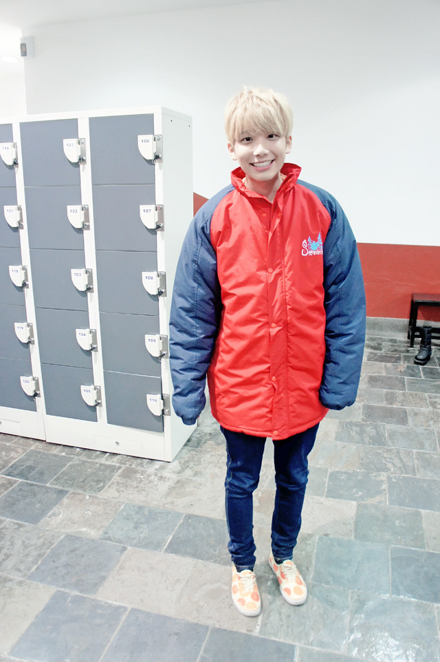 typicalben wearing snow world jacket genting