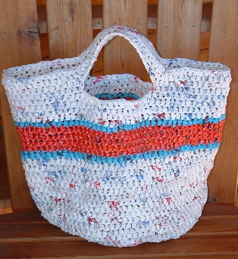 Free Crochet Patterns Plarn Bags : Recycled Round Grocery Tote Bag My Recycled Bags.com