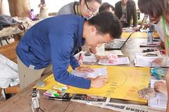 除了撿垃圾之外,志工也透過討論與分析,探討海岸垃圾的來源以及解決的方式