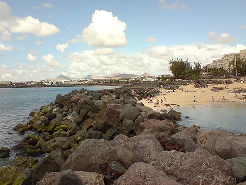 640px-Costa_Teguise-Playa_del_Jablillo