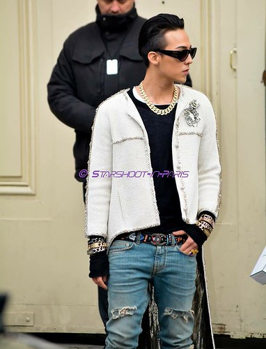 G-Dragon - Chanel Fashion Show - 27jan2015 - StarshootinP - 09
