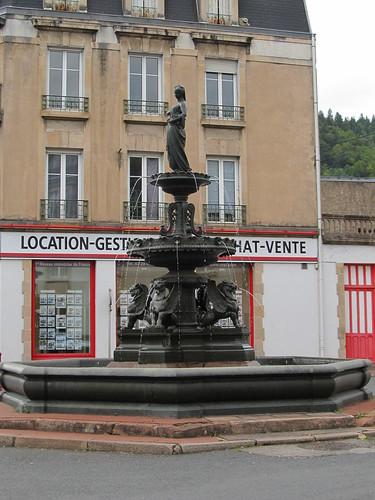 fontaine et monument raon l'etape 040