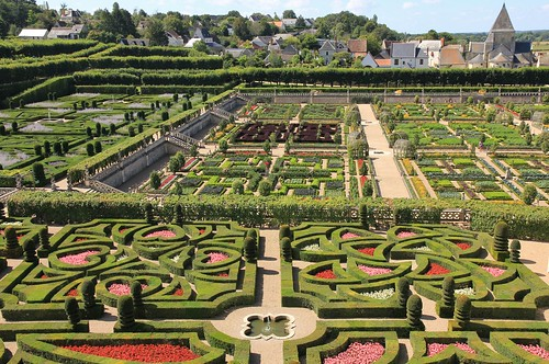 across the parterres @ villandry