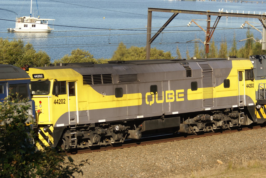 QUBE Jumbo 44202 by David Kimpton