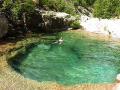 Baignade dans la superbe vasque de la confluence Peralzone