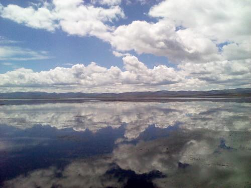 湖光山色白云蓝天