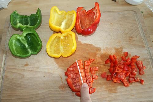 17 - Paprika würfeln / Dice bell pepper