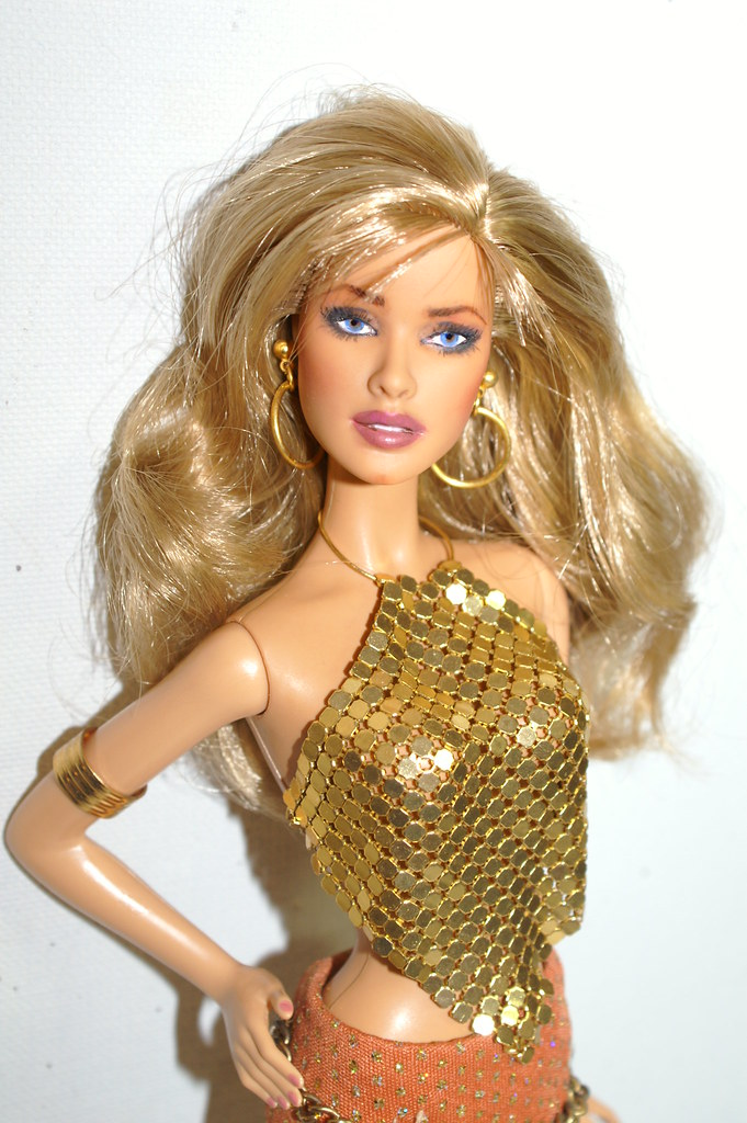 Gorgeous Tanya Roberts (Blond) James Bond Doll.