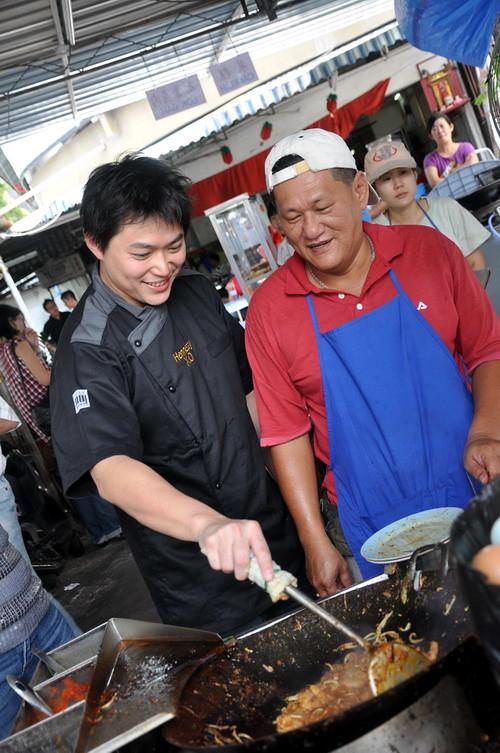 9 Chef Michael Han n Penang Char Kueh Keow