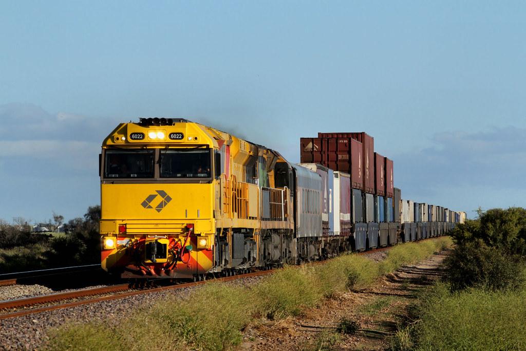 6022 6008 6MP1 Stock Crossing Road Warnertown 29 09 2012 by Daven Walters