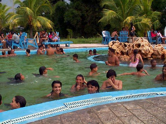 Pool at army 39 s officers club courtesy of enrique 39 s mom for Piscina n club