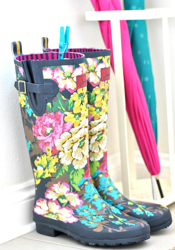 Floral wellies & brollies