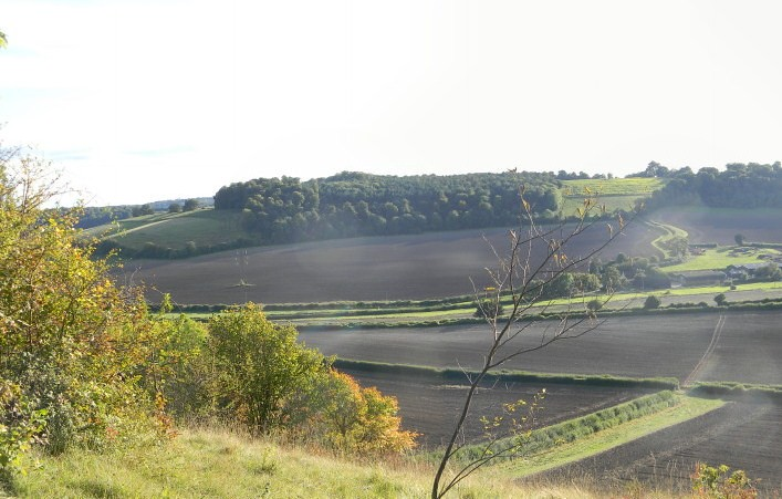 View from ridge Saunderton Circular via Wheelers End