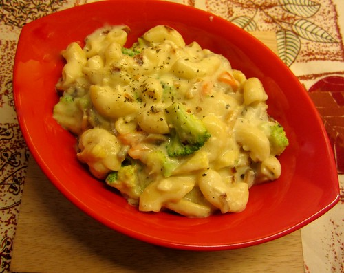 Pasta with Vegetables in White Sauce