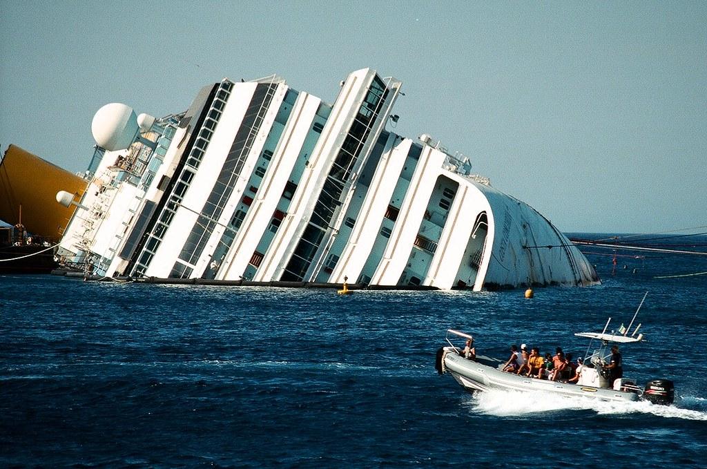 La Concordia sarà demolita a Genova
