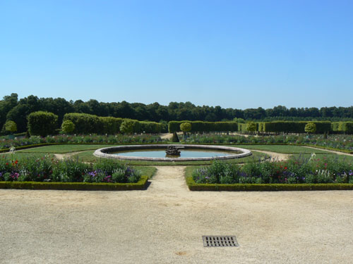 grand trianon jardins.jpg