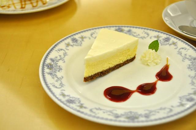 チーズケーキ。シナモンがきいてます。